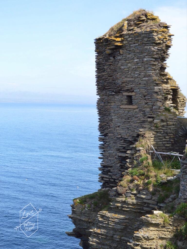 cliff edge tower of Sinclair Girnigoe Castle, highlands, scotland, united Kingdom